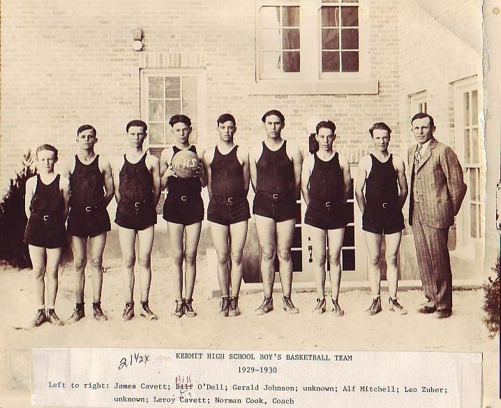 1929-30_Basketball_Team.JPG
