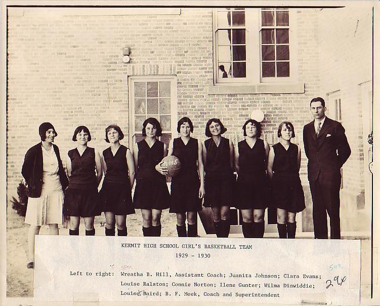 1929-30_Girls_Basketball_Team.JPG