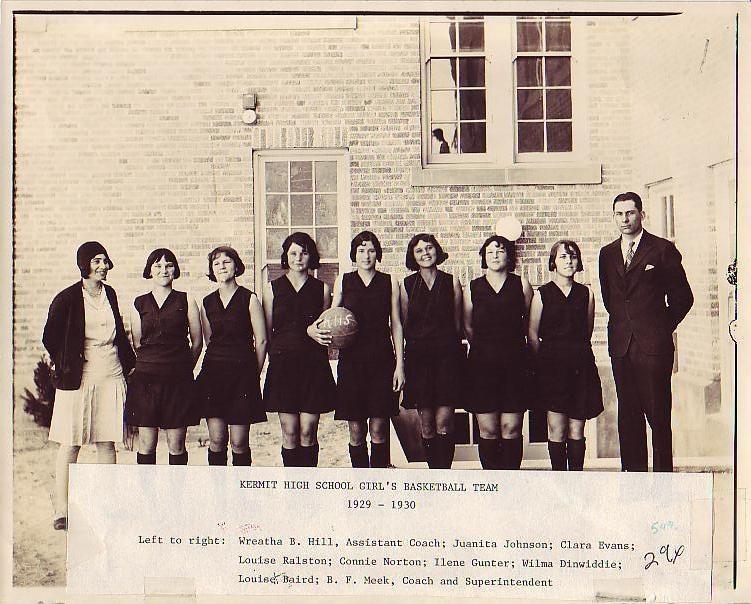 1929-30_Girls_Basketball_Team.JPG